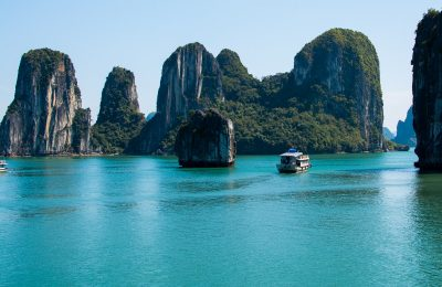 Halong-Bay-natural-wonder-of-Vietnam